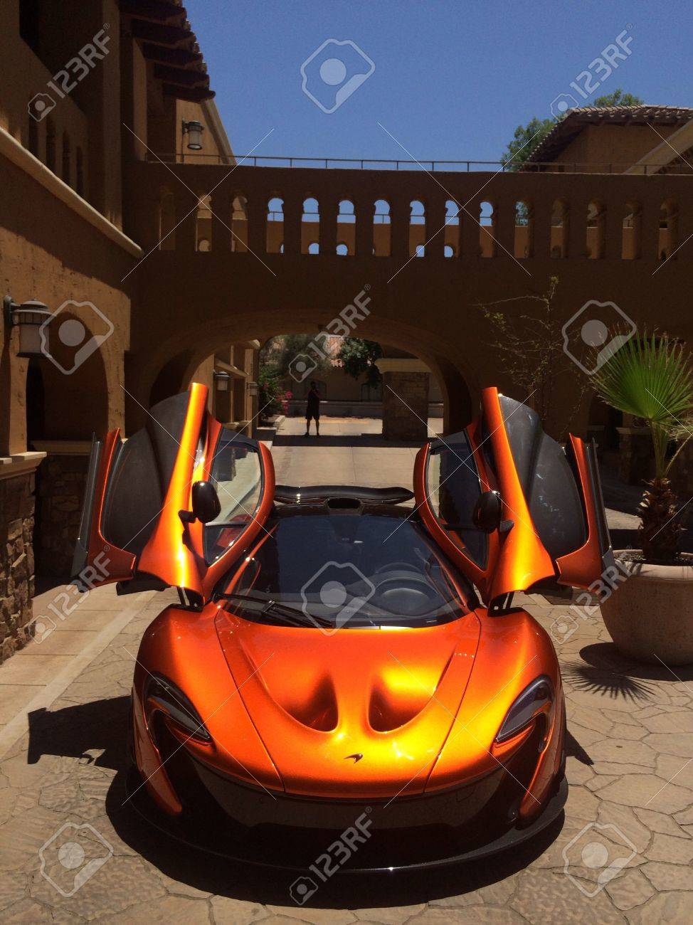 Mclaren P1 Orange >> Mclaren P1 Spreading It S Wings As The Sun Reflects Off The