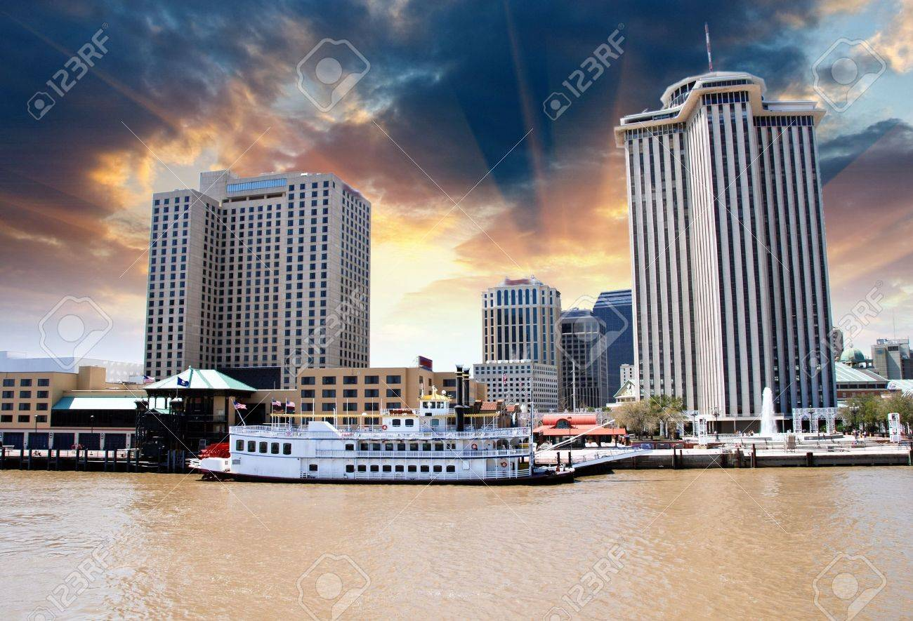 Sunset above New Orleans with Mississippi River, Louisiana Stock Photo - 13980854