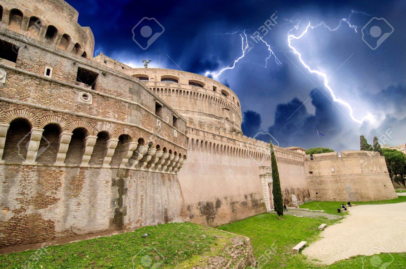 A view of the fortress of Castel Santangelo in Rome - Italy Stock Photo - 16823868