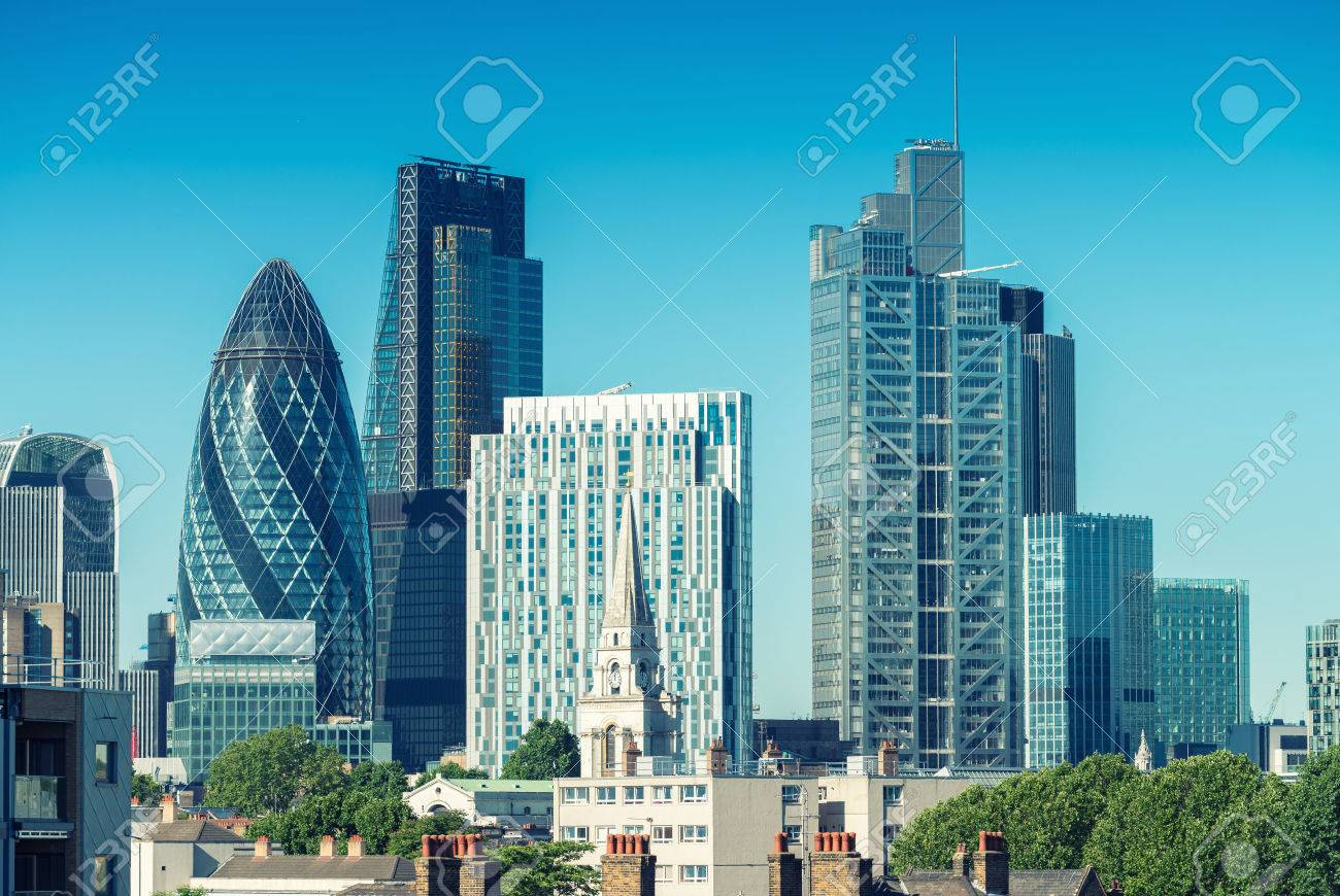 City of London. Skyline sur une belle journée d'été. Banque d'images - 43089335