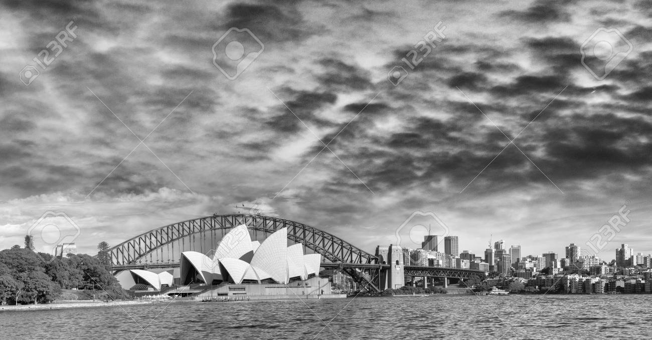 Black and white panoramic view of sydney harbour