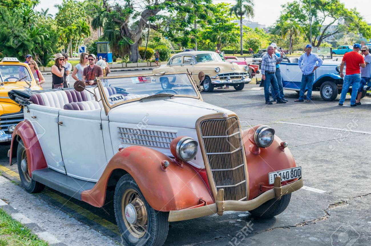 HABANA, CUBA - APRIL 5, 2016: Colourful Old Car In City Street ...