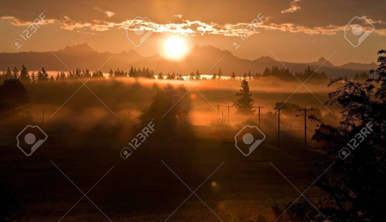 stunning sunrise over the mountain known as 3 Sisters or 3 Fingers (called both commonly) in Washington Stock Photo - 11313366