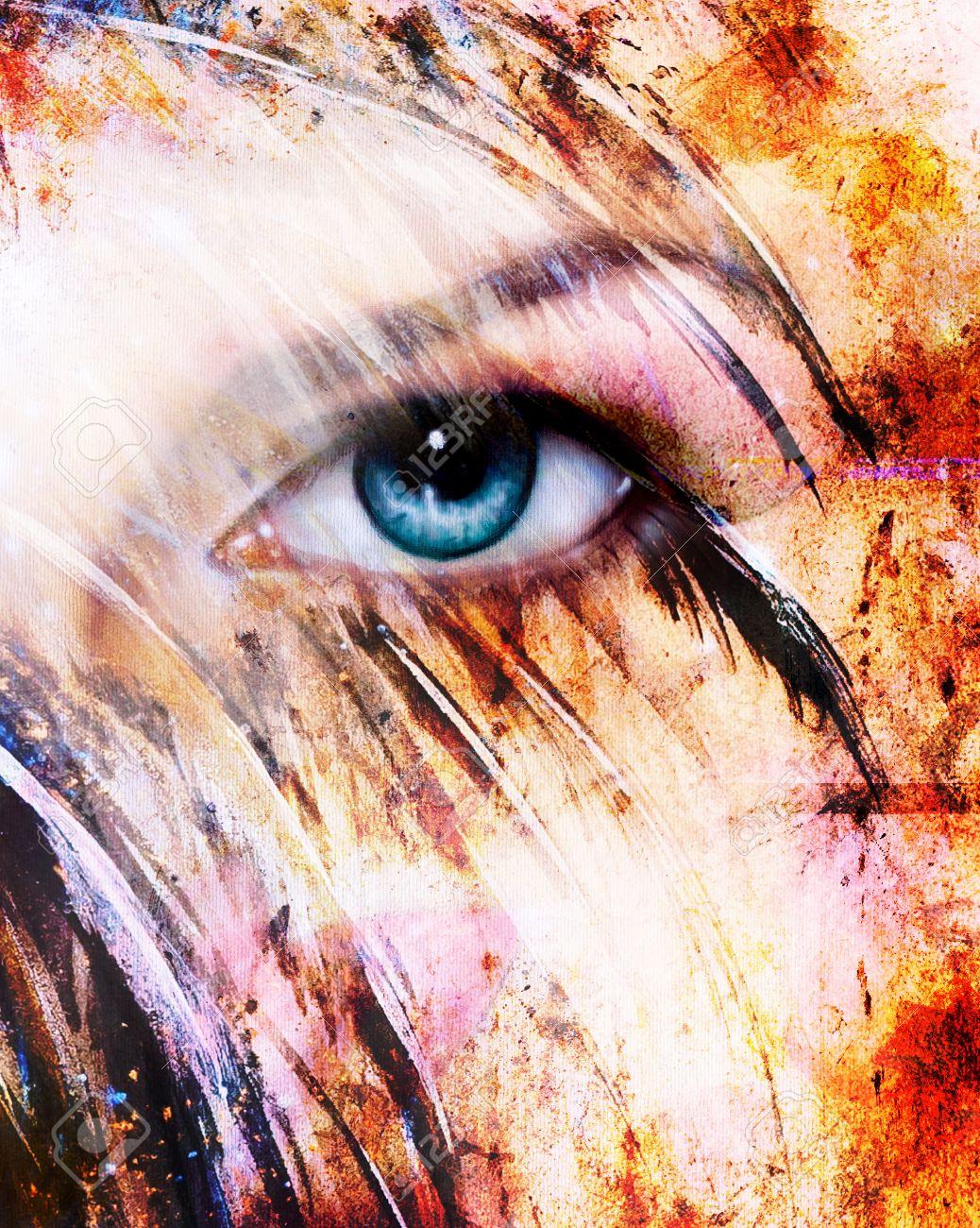 foto de archivo hermosa mujer azul radiante ojo efecto de plumas de colores collage de pintura maquillaje phoenix