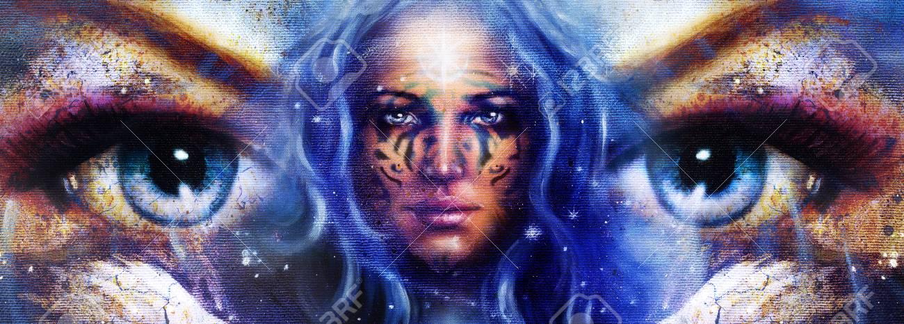 Déesse Femme Avec Tatouage Sur Le Visage Dans Lespace Avec Des étoiles Légères