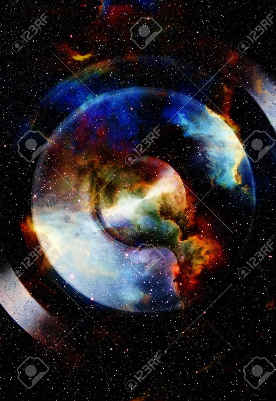 色の効果とオーディオ音楽スピーカー。宇宙空間や星、宇宙の抽象的な ...