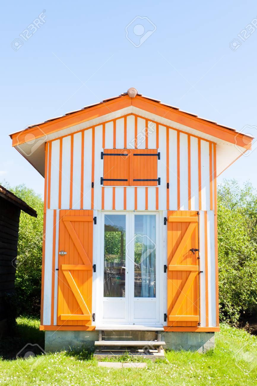 Typique Des Maisons En Bois Colorees Dans Le Port De Biganos Dans