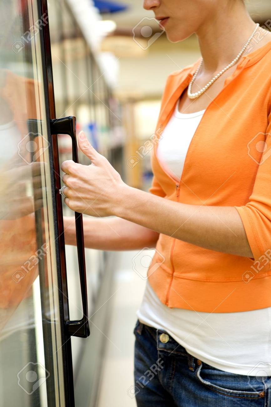 Supermarket Shopper Stock Photo - 4975318