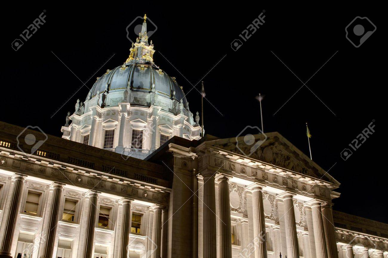 San Francisco City Hall against Dark Night Sky at Civic Center Historic District in California Stock Photo - 11585691