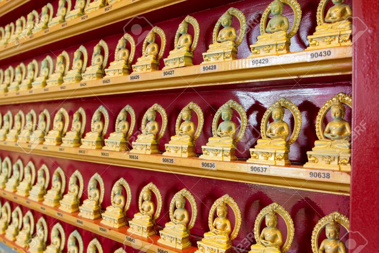 東南アジアにおける百仏の中国仏教寺院 の写真素材・画像素材 Image ...