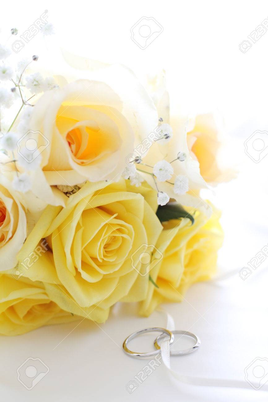 Stock Photo Yellow Roses Bouquet With Wedding Rings: Yellow Roses Wedding Rings At Reisefeber.org