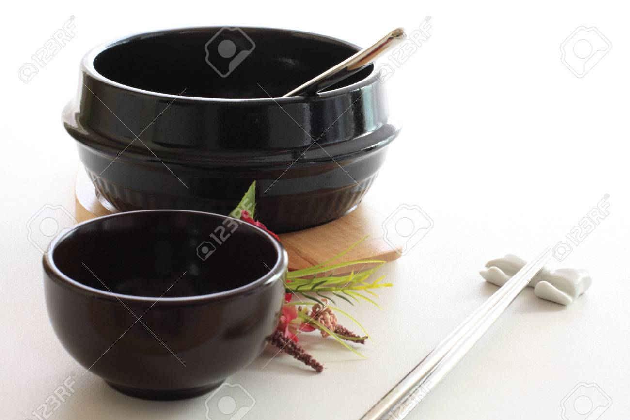 korean tableware hot pot Stock Photo - 30058153  sc 1 st  123RF.com & Korean Tableware Hot Pot Stock Photo Picture And Royalty Free ...