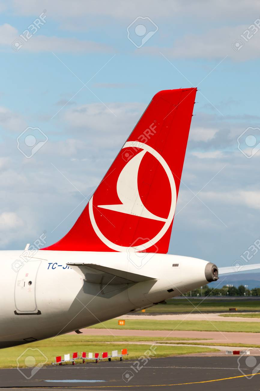 Turkish Airlines Airbus A321 narrow-body passenger plane TC-JRN,
