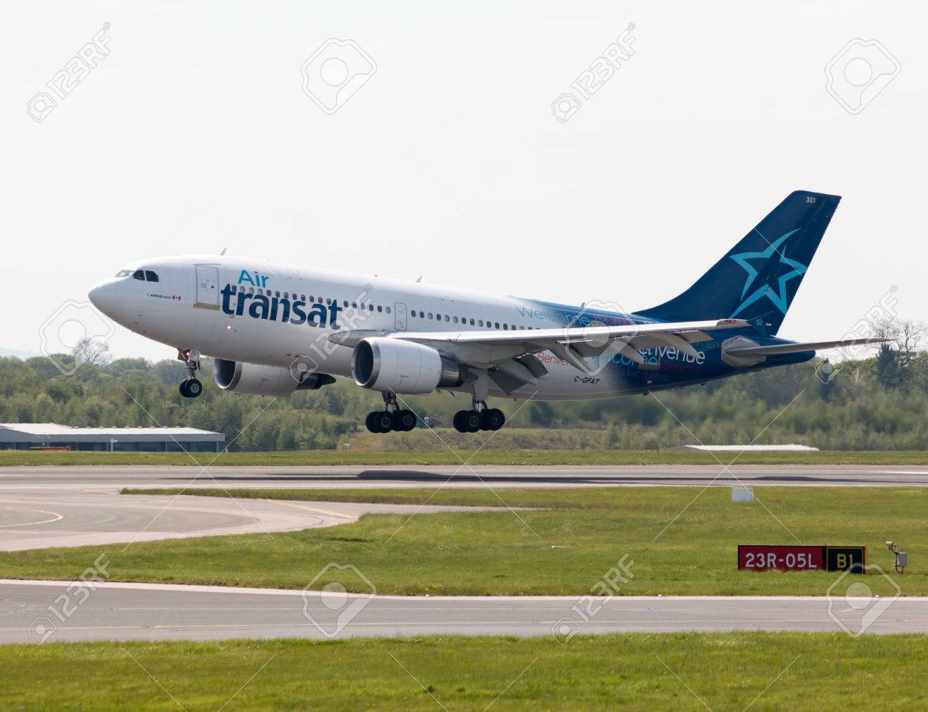 Air Transat Airbus A310 medium- to long-range twin-engined wide-body