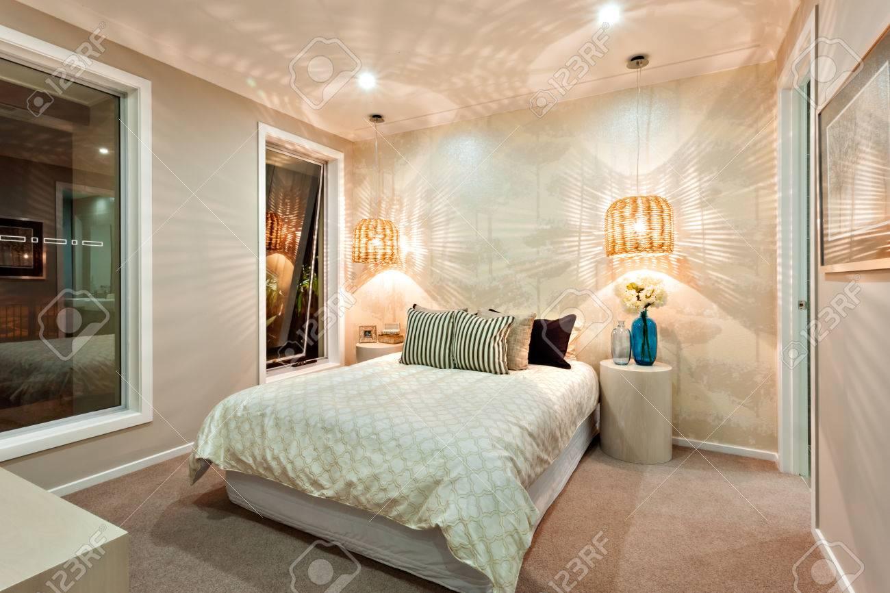 Ein Modernes Schlafzimmer Wände Schön Mit Muster Eines Licht ...