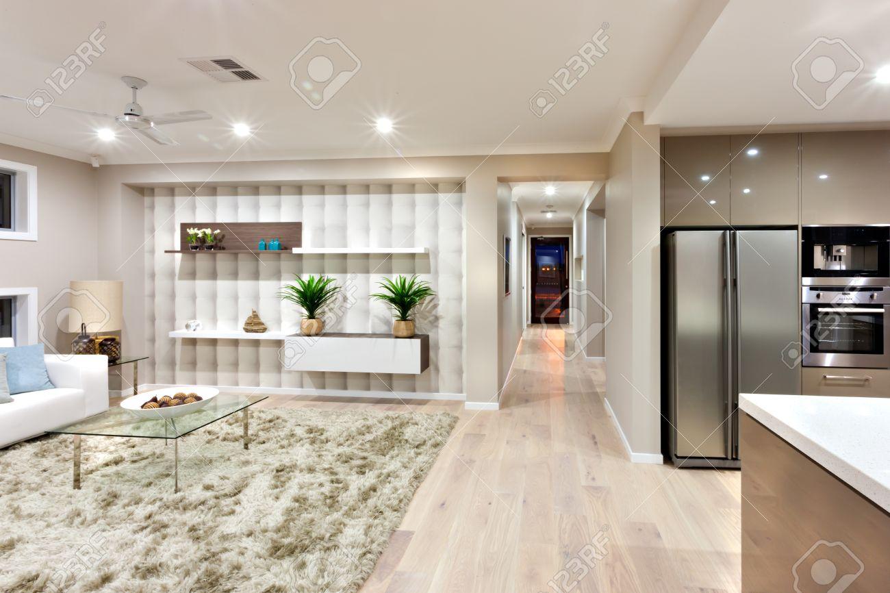 En El Interior De La Casa Moderna Og Tiene Una Cocina Con Horno ...
