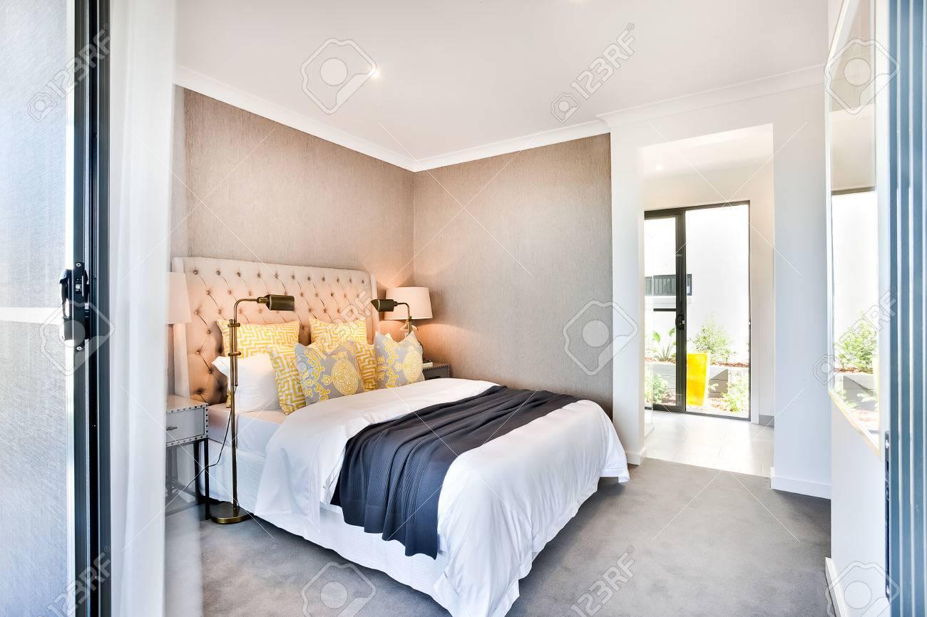 Moderne Lampen 96 : Moderne schlafzimmer eingang und ausgang für eine externe das