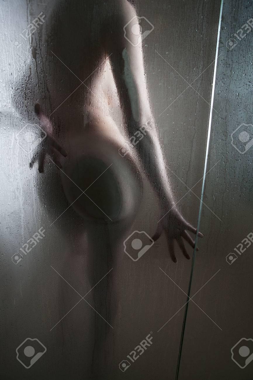 Pissing women gushers
