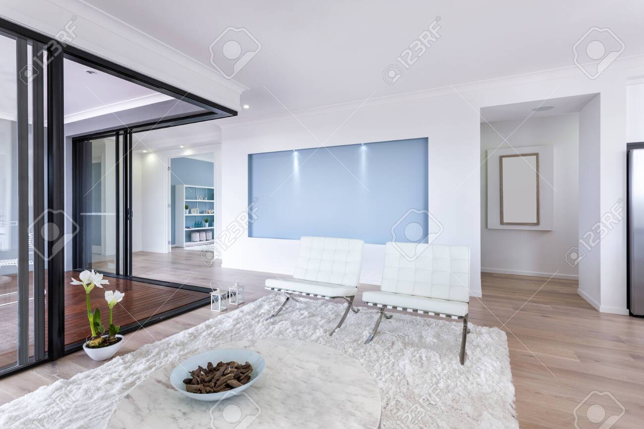 Interior view of a living room in new luxury home - 153500152