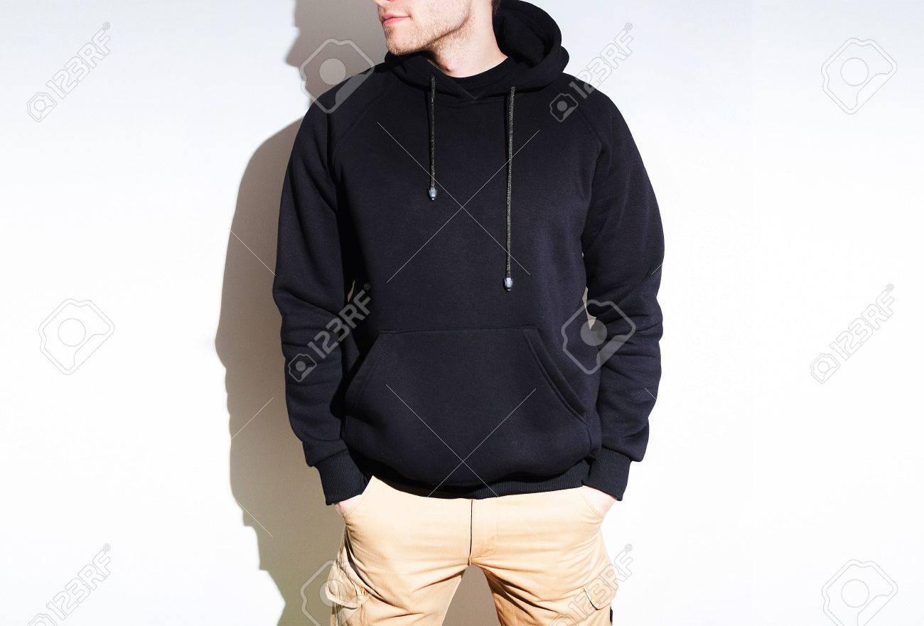 Mock Capuche Noir À Shirt Présentation Sweat Isolé Blanc Up qpnXFT