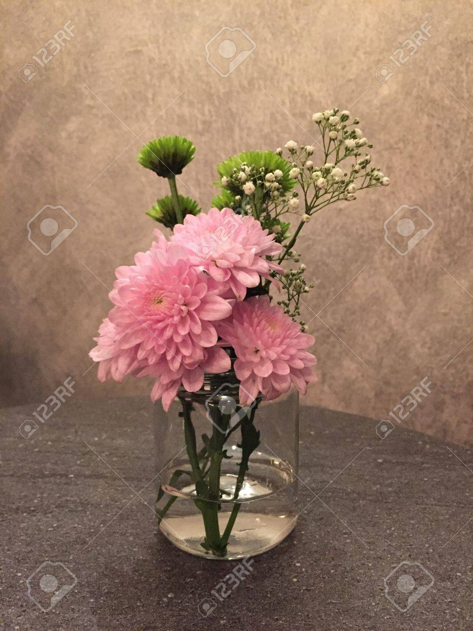 Simple Flower Arrangements A Simple Flower Arrangements Using Cut Flowers Would Light Up
