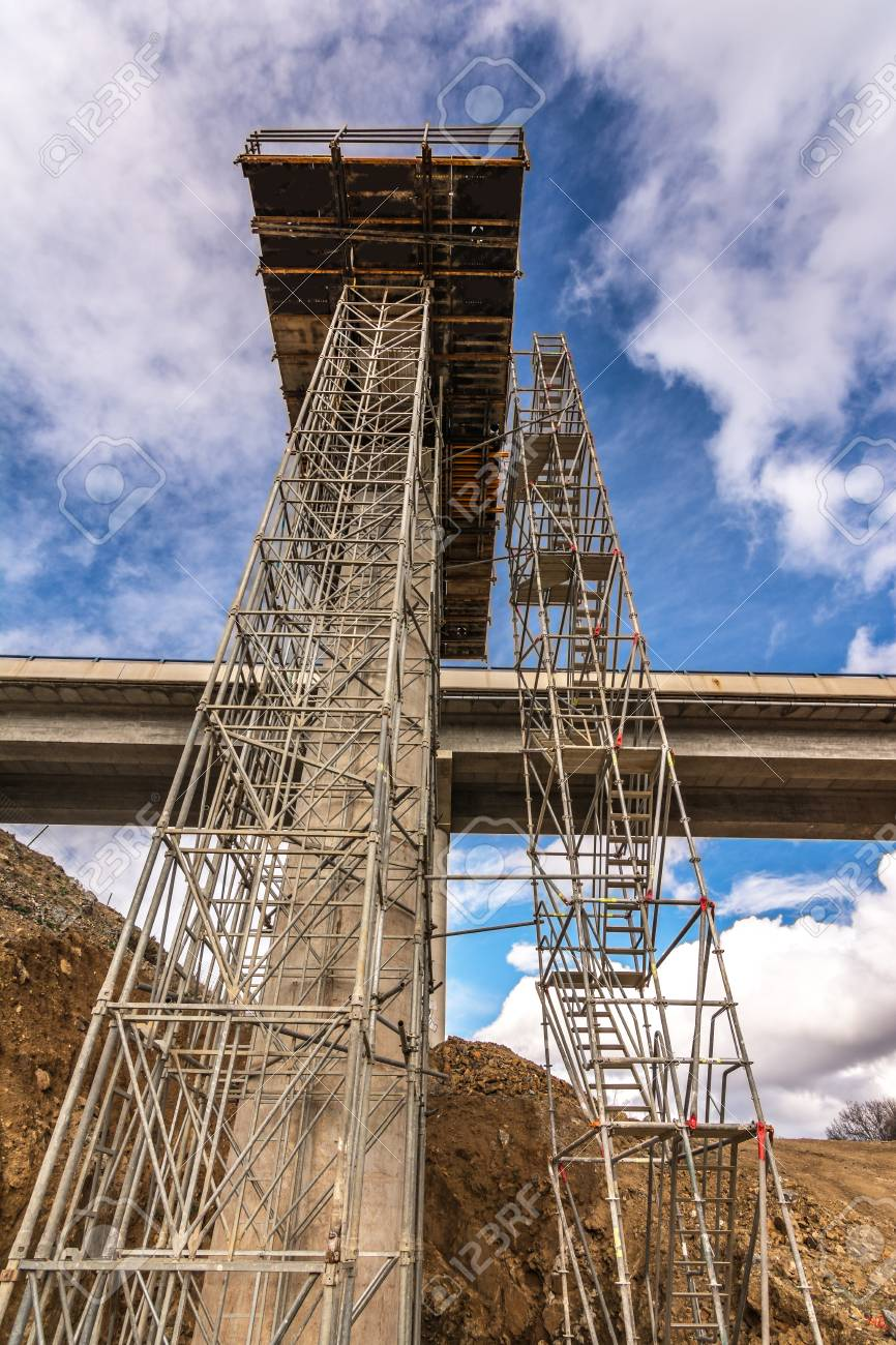Construction of a viaduct, civil engineering to build a road