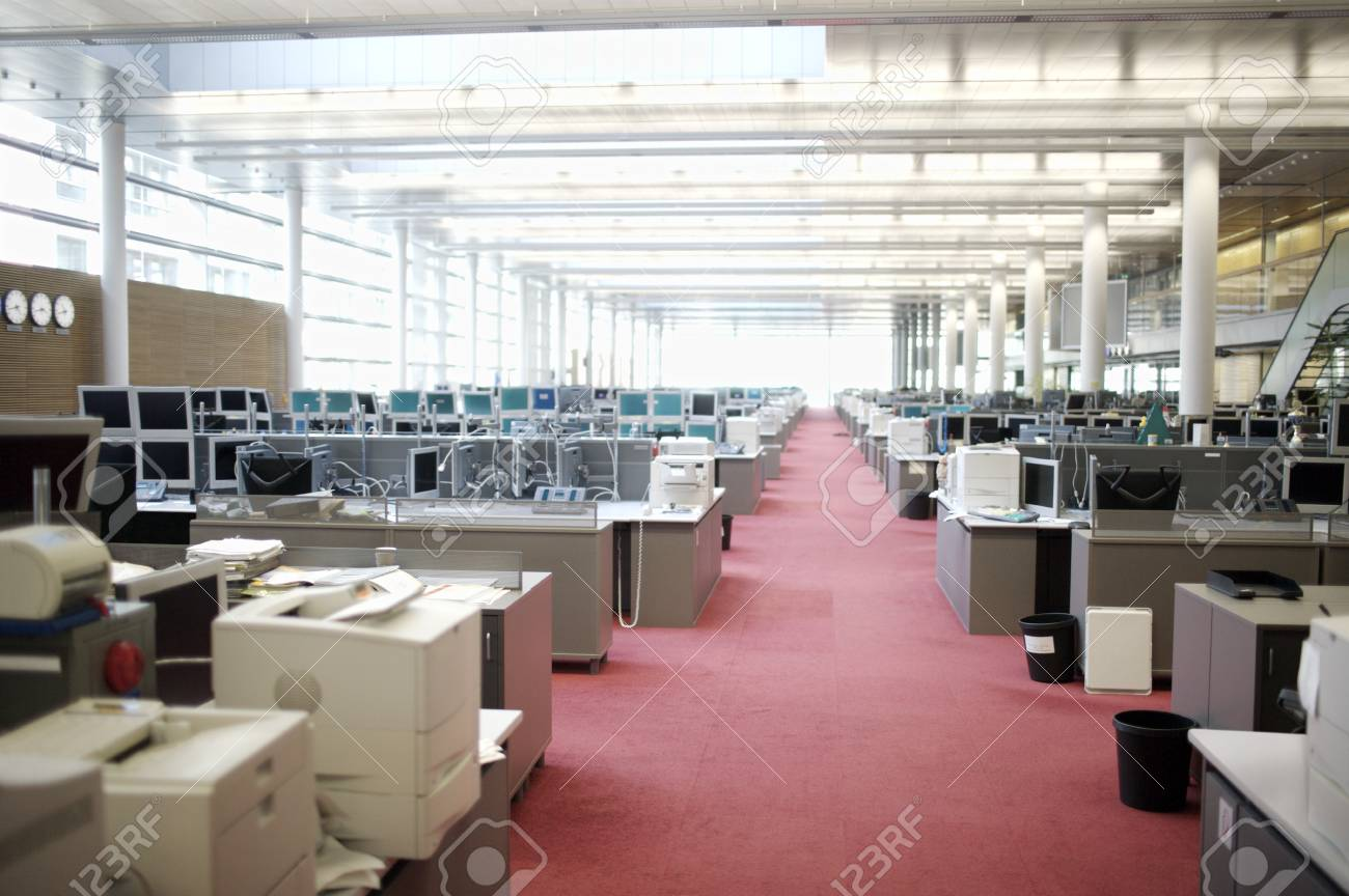 office with cubicles. Hallway In Office With Cubicles Stock Photo - 94322352