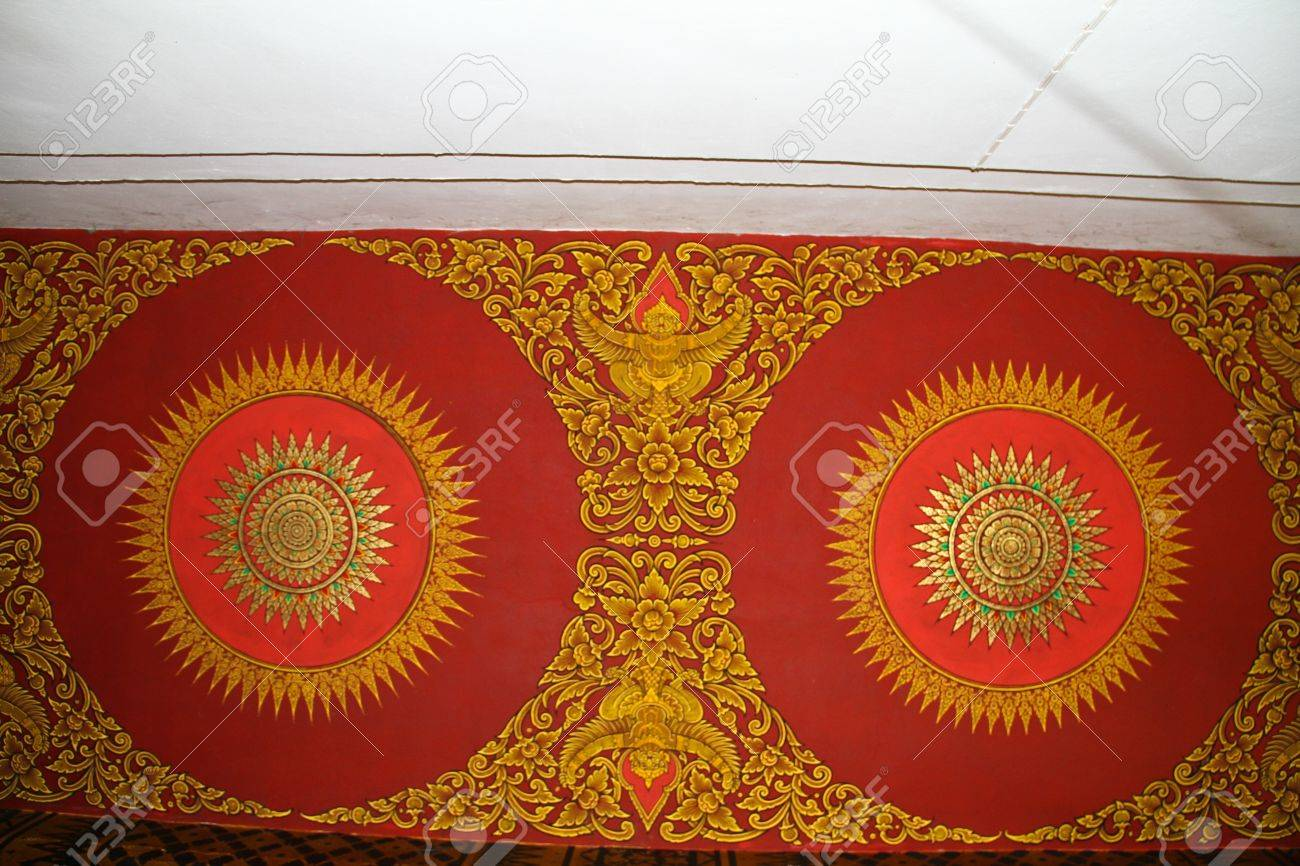 Painting the ceiling thai temple Stock Photo - 13469472