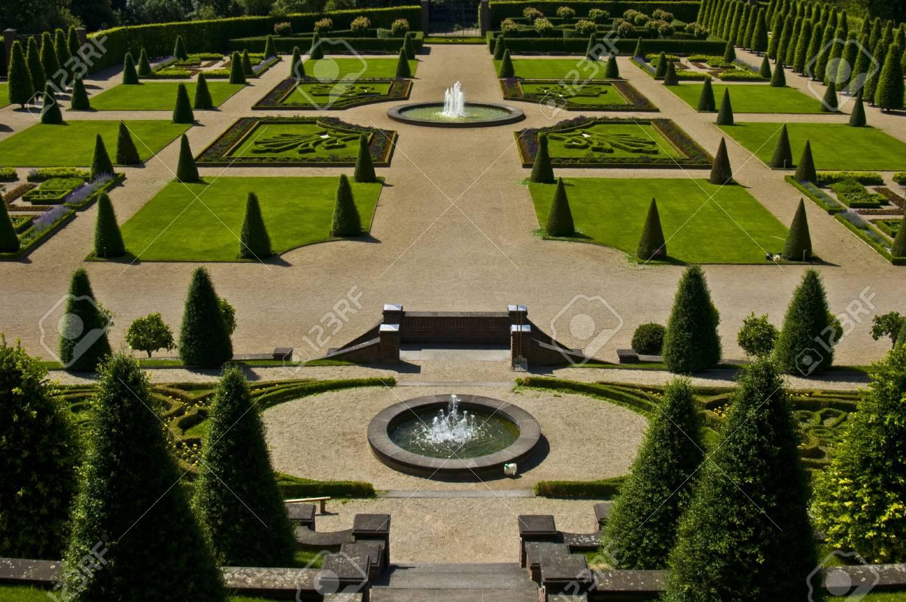 Vista Sui Giardini Terrazzati Di Kamp Abbey Foto Royalty Free ...
