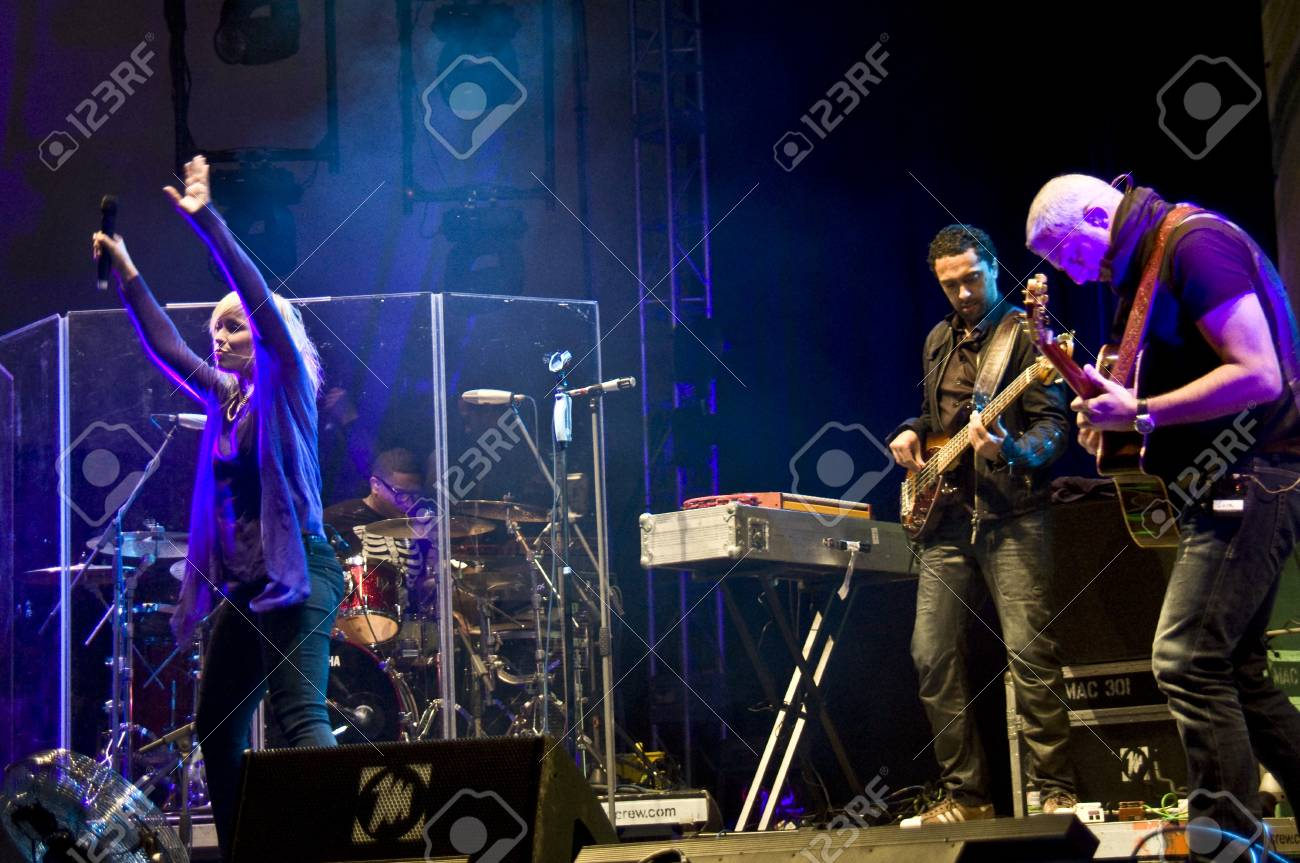HALLE, GERMANY - AUGUST 27: Natasha Bedingfield performs with her band at the 75th Laternenfest on August 27, 2011 in Halle, Germany. Stock Photo - 10404384