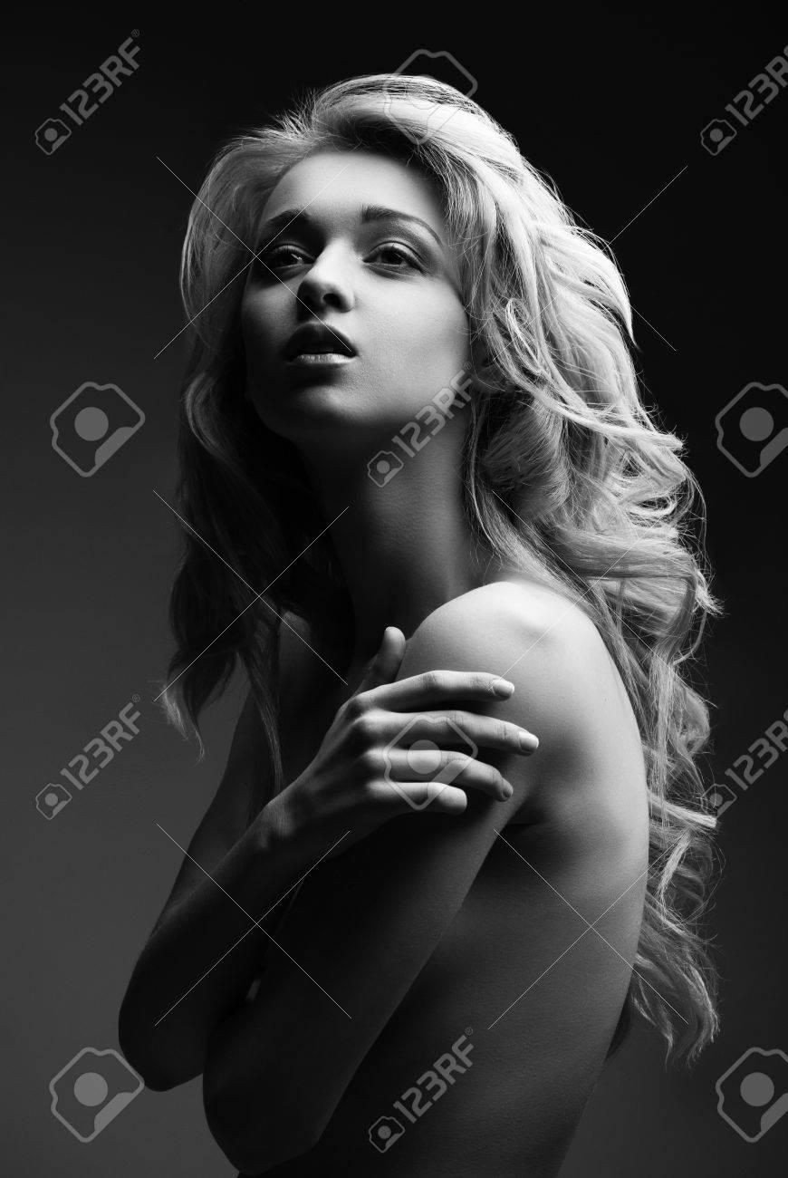 beautiful girl blond nackt