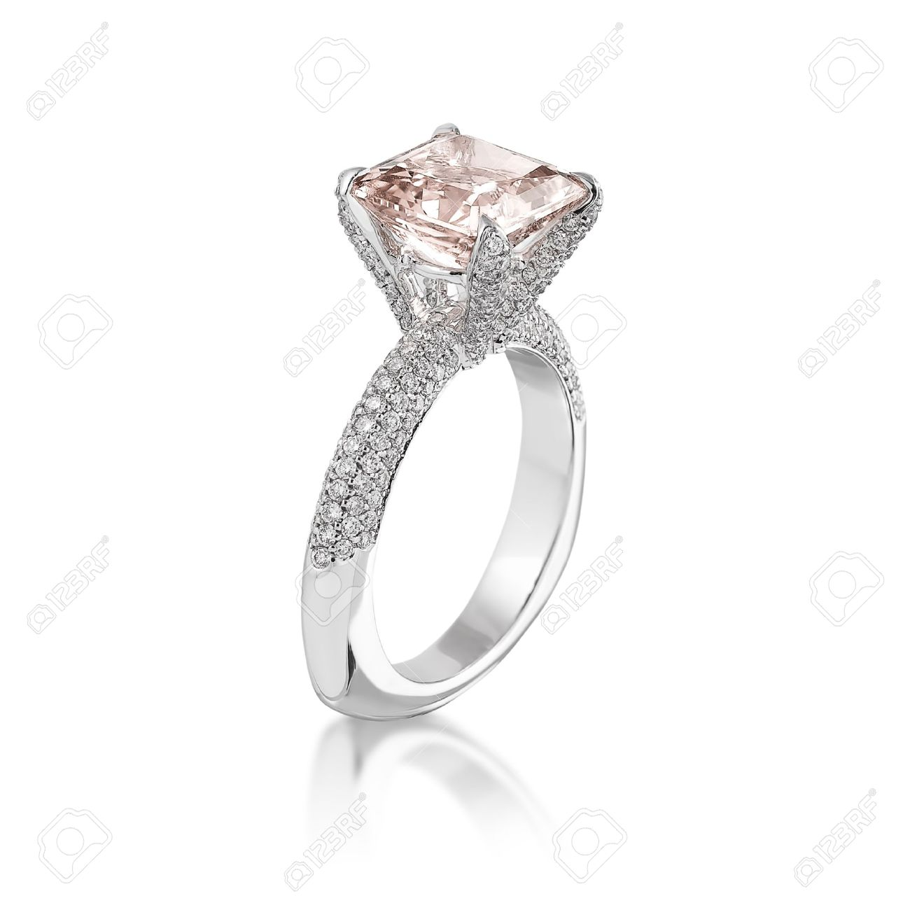 Pink Diamond Ring >> Pink Diamond Ring