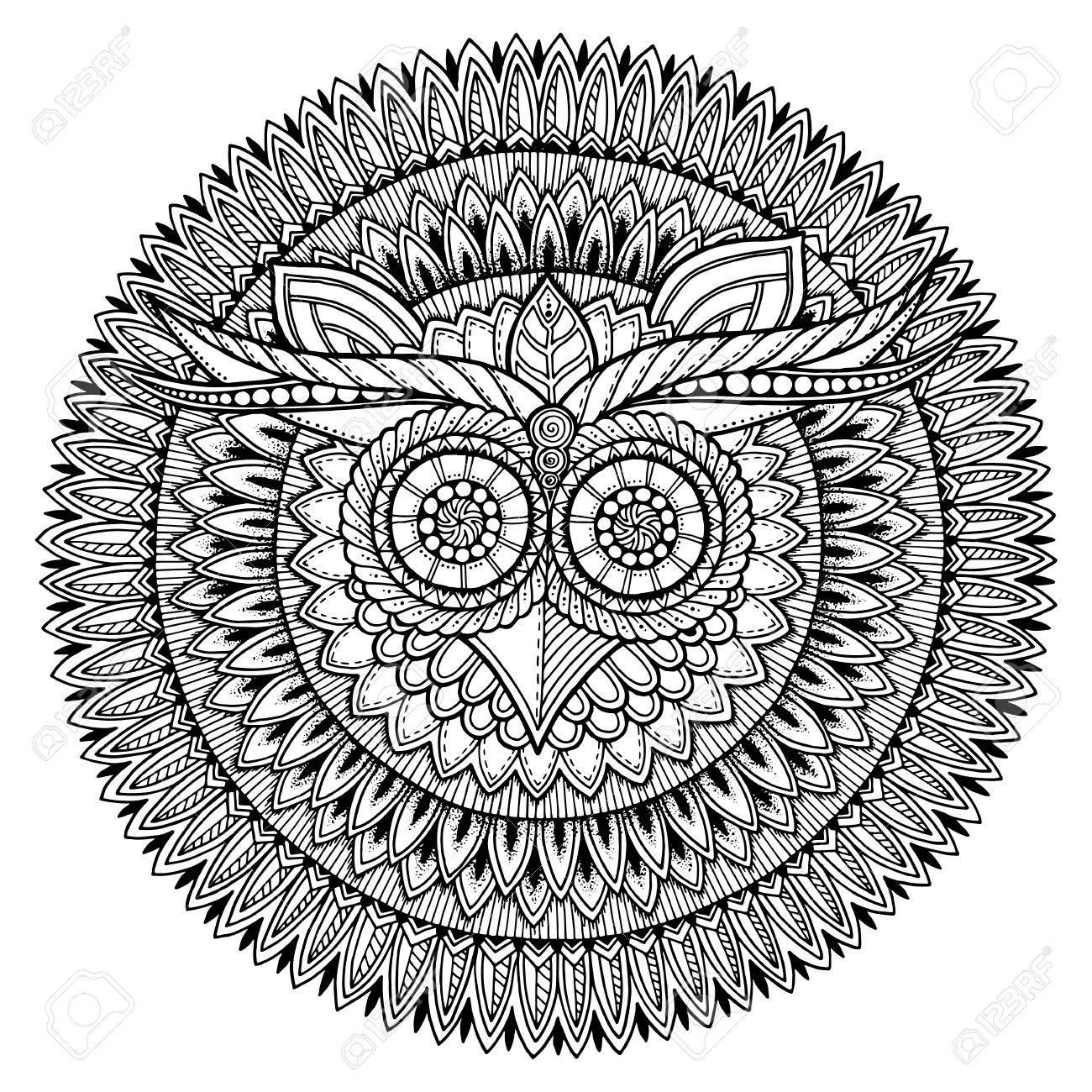 Buho Tatuaje Mandala el tema de las aves. lechuza mandala blanco y negro con el modelo ornamento  azteca étnico abstracto. fondo búho. tatuaje del búho. página para