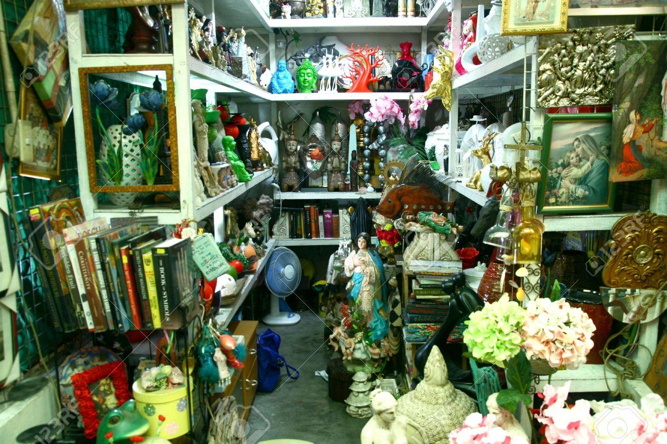 Tiendas En La Arcada Dapitan, Manila, Filipinas Venta Decoraciones ...