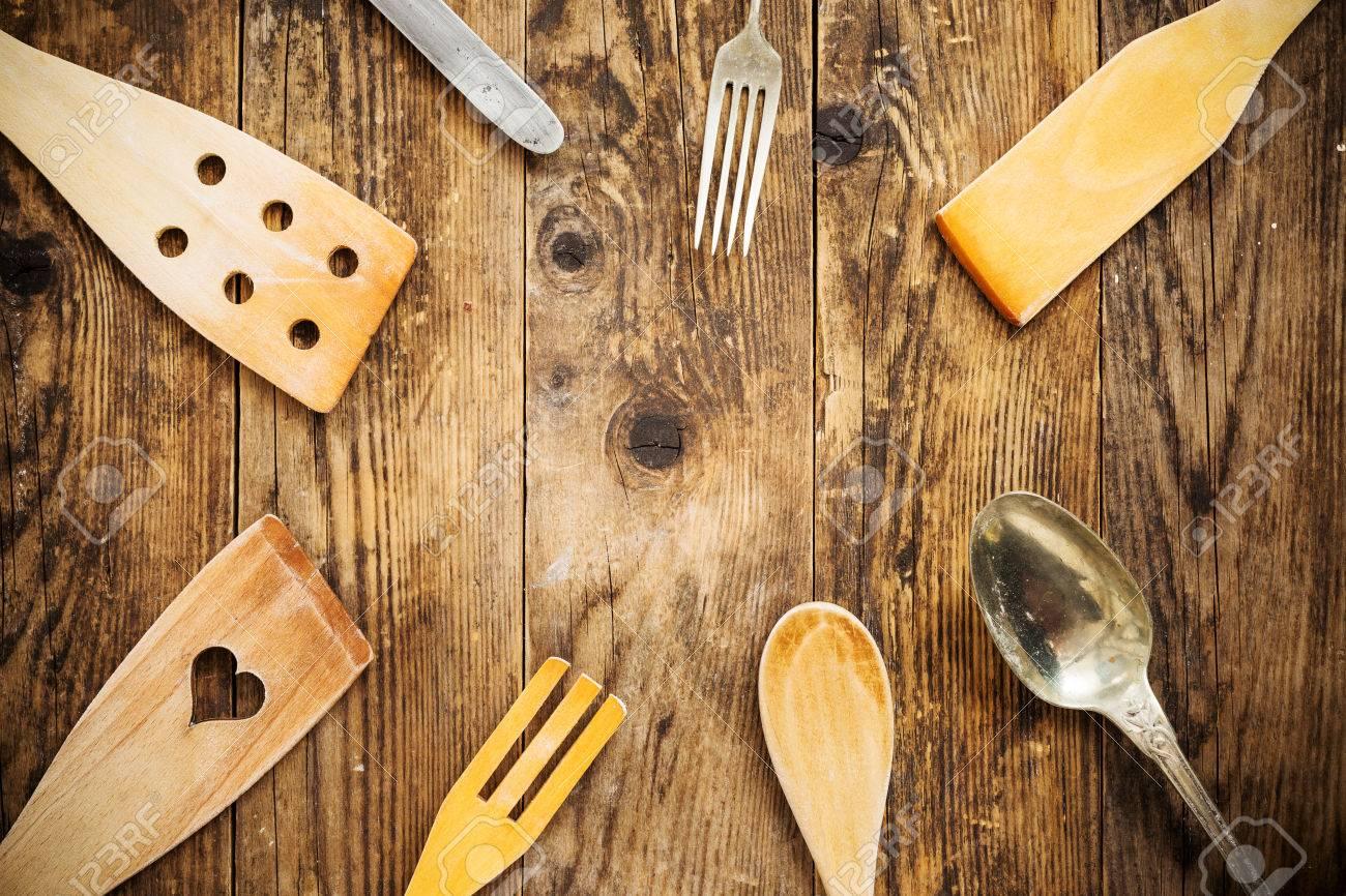 Alte Kuchengerate Holz Tabelle Lizenzfreie Fotos Bilder Und Stock Fotografie Image 38644183