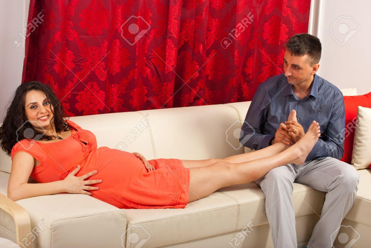 На диване с женой