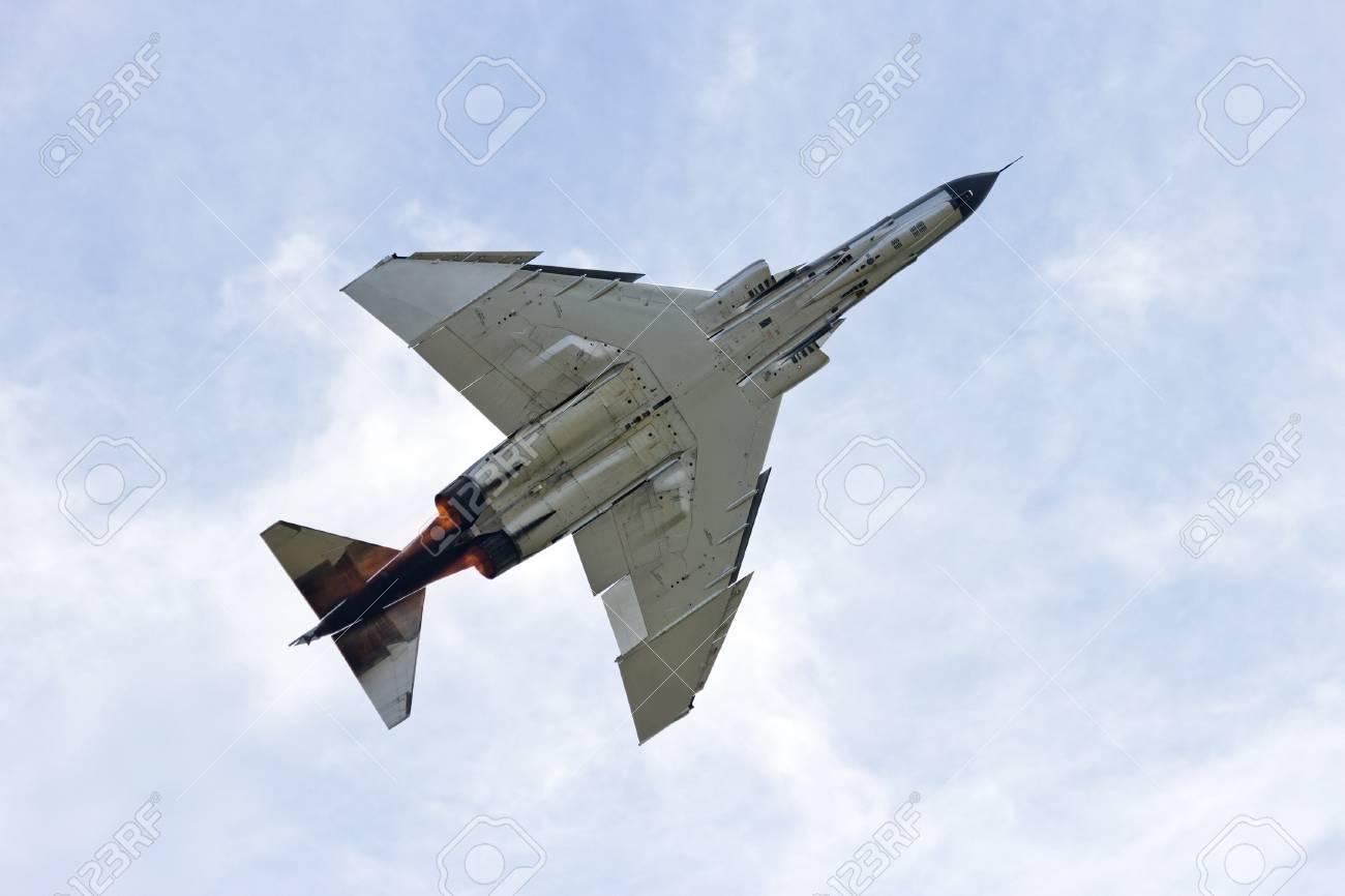 Fighter jet - 26545423