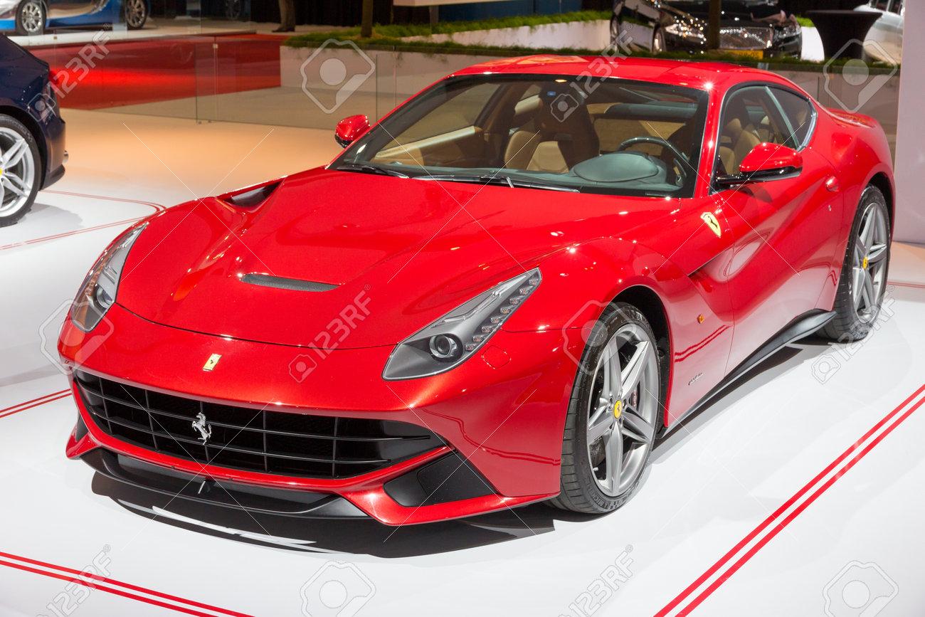 Amsterdam 16 April 2015 Ferrari F12 Berlinetta Sportwagen Auf Der Autorai 2015 Die F12 Debütierte Im Jahr 2012 Und Ersetzt Die 599 Serie Grand Tourer Lizenzfreie Fotos Bilder Und Stock Fotografie Image 39861662