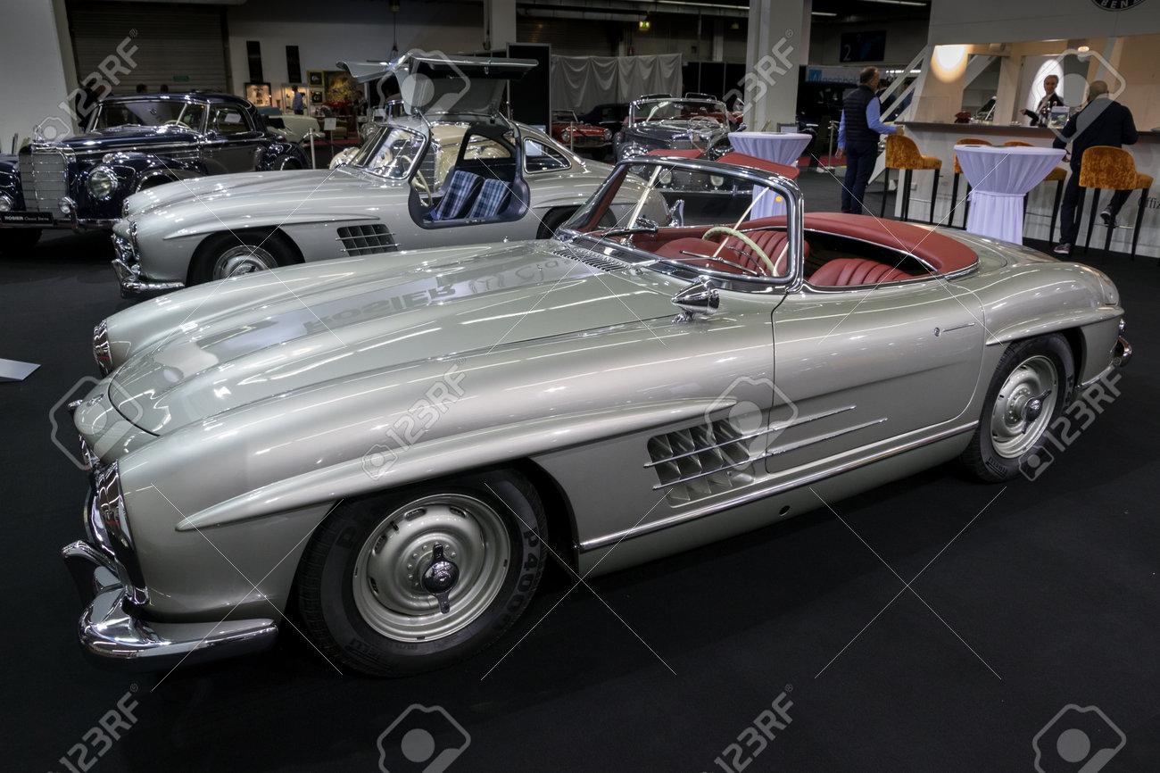 Essen Deutschland Apr 6 2017 1957 Mercedes Benz 300 Sl Roadster