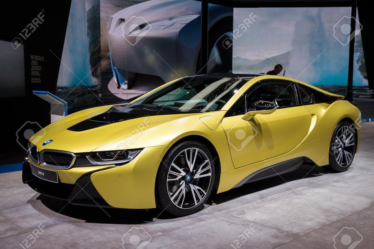 Frankfurt Germany Sep 12 2017 Bmw I8 Protonic Frozen Yellow