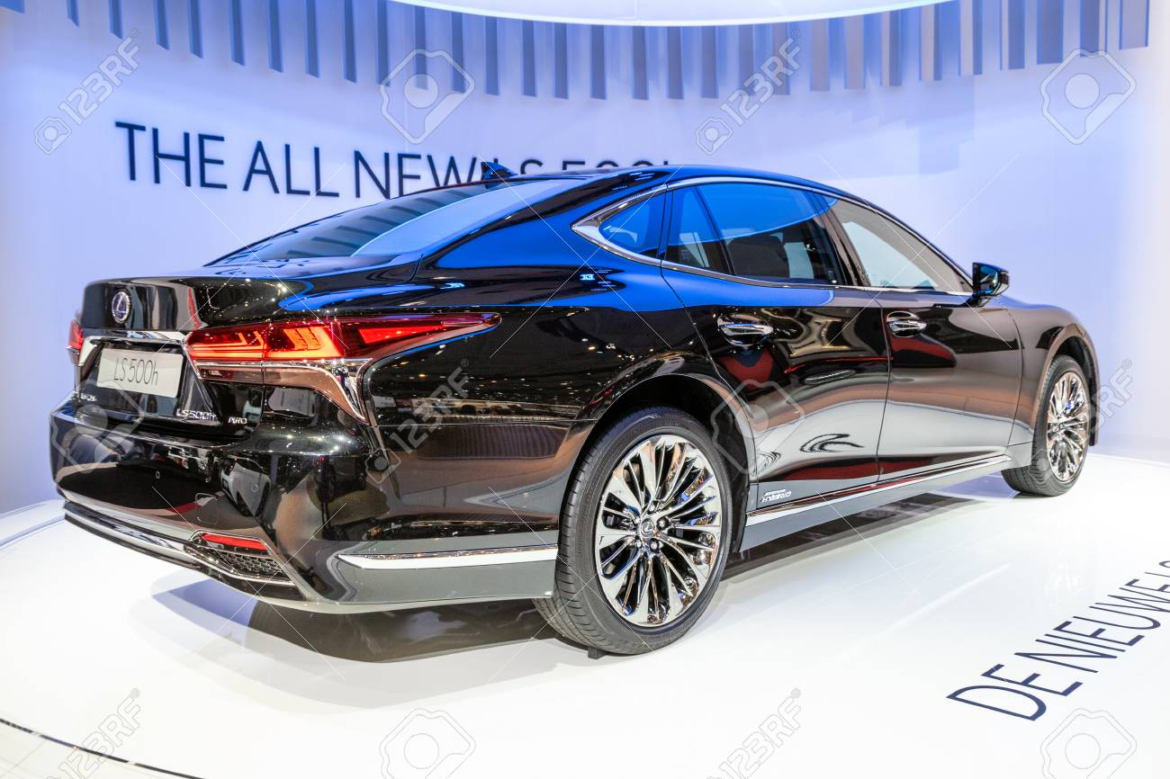 BRUSSELS - JAN 10, 2018: Lexus LS500h car showcased at the Brussels Expo Autosalon motor show. - 115974248