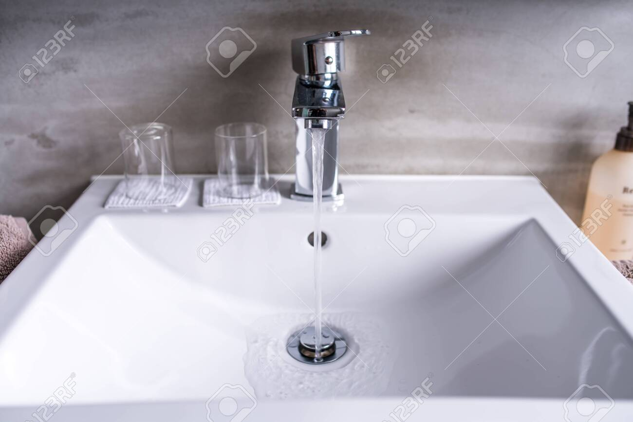 Modern Bathroom Faucet Very High End Faucet Sink And Counter