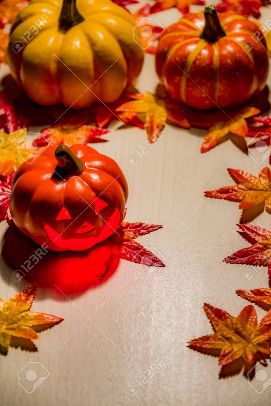 Decorating with the image of Halloween - 131914132