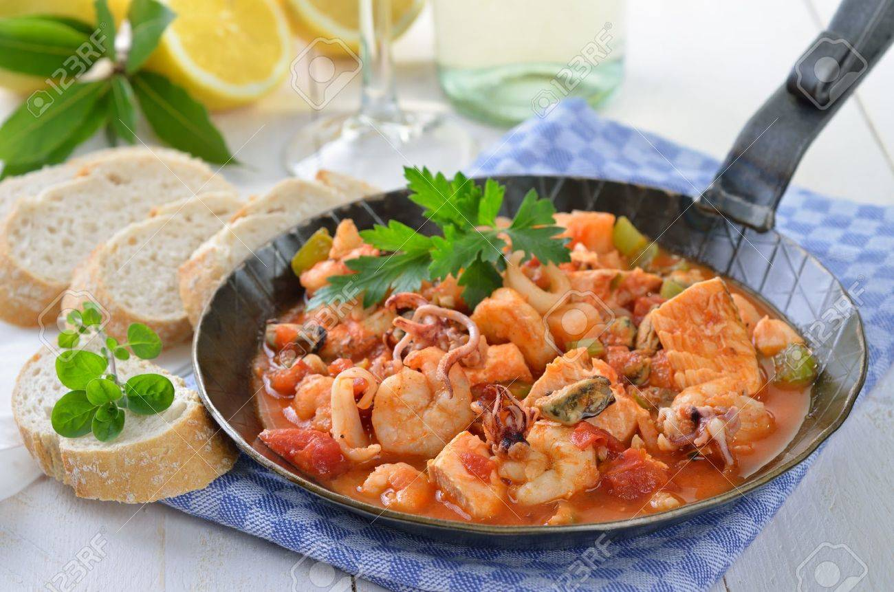 Seafood ragout in a pan Stock Photo - 20243447