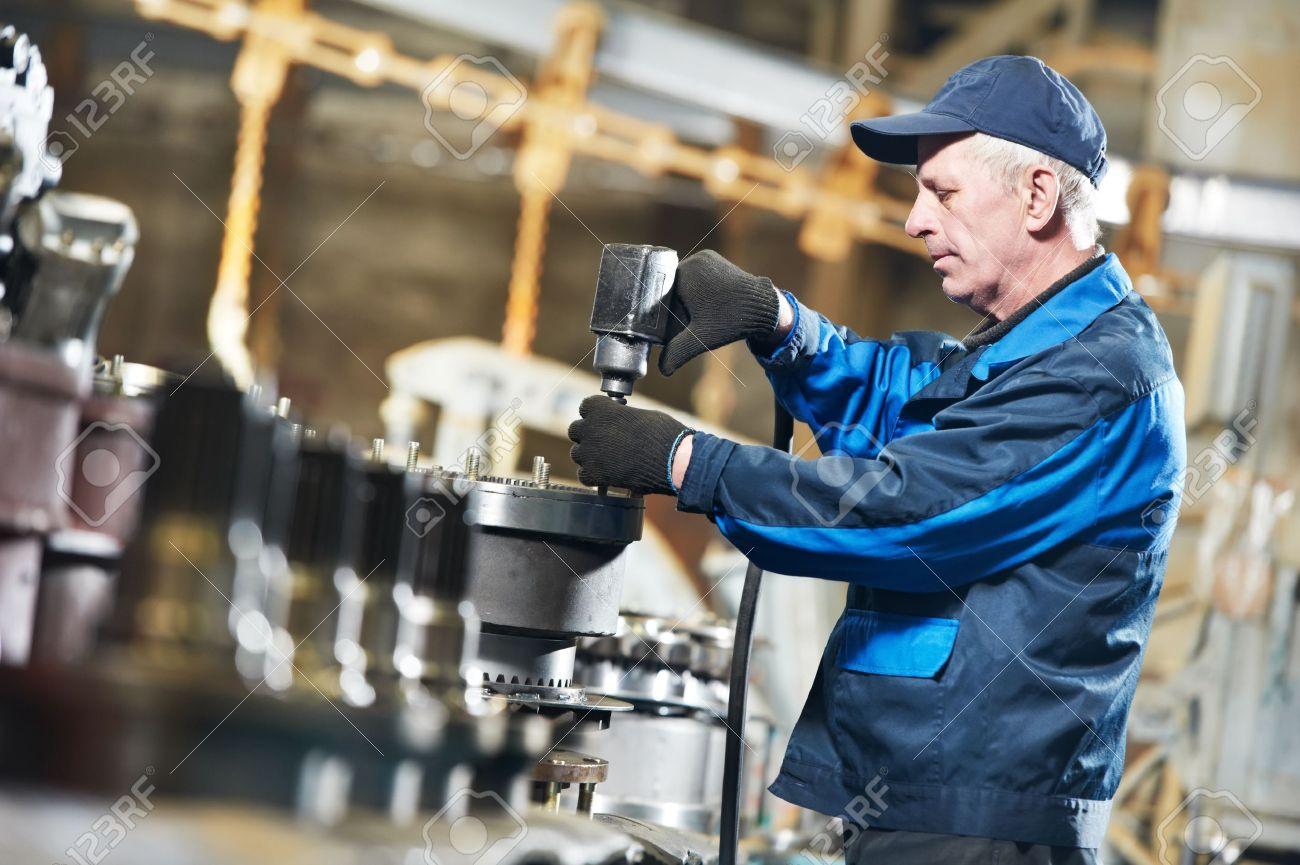 experienced industrial assembler worker - 13701381