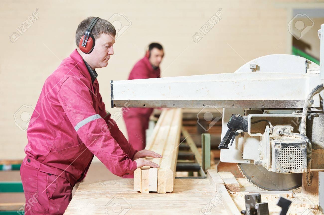 closeup carpentry wood cross cutting Stock Photo - 14031396