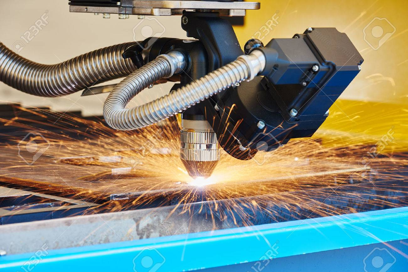 Trabajo De Los Metales. La Tecnología De Plasma O Corte Por Láser De ...