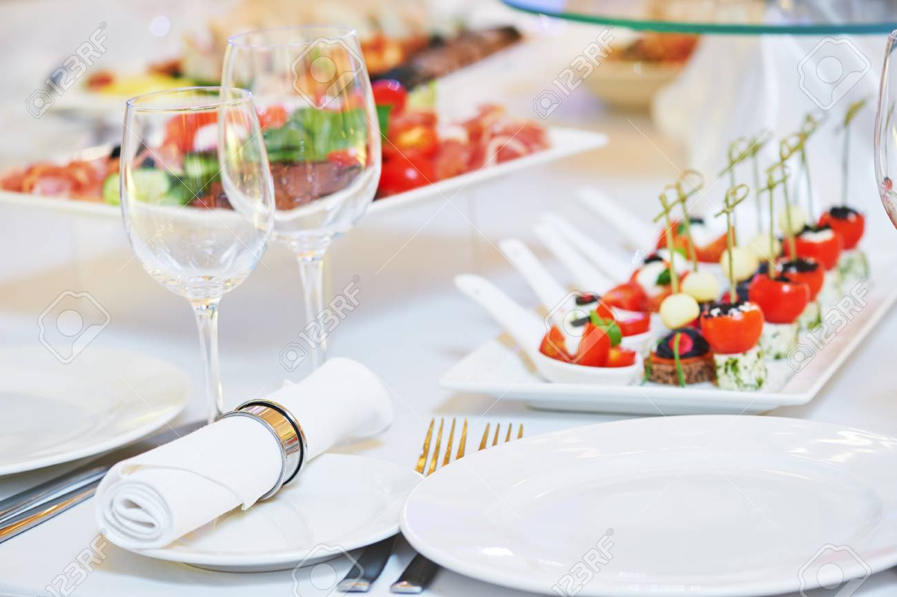 Catering service. set table with food glassware and tableware Stock Photo - 61339789  sc 1 st  123RF.com & Catering Service. Set Table With Food Glassware And Tableware Stock ...