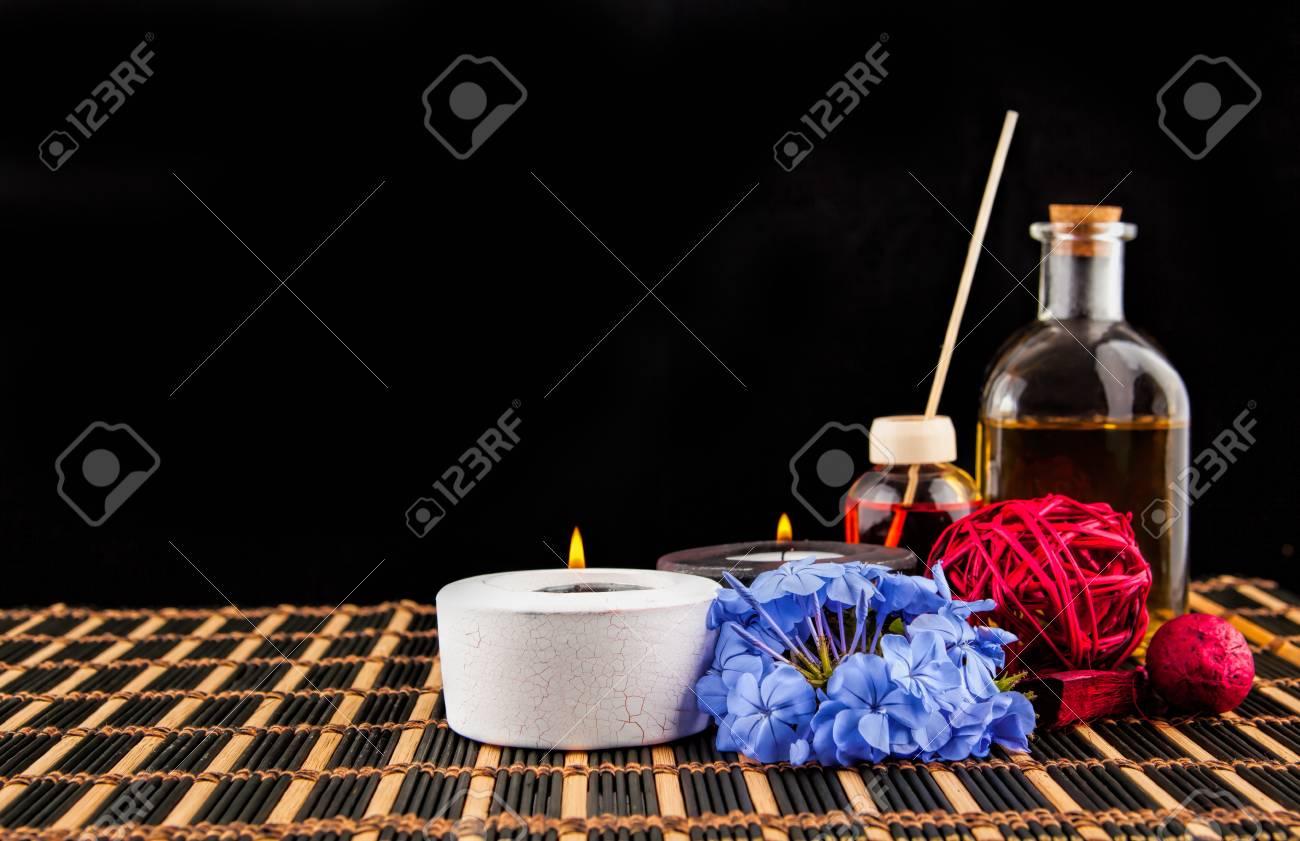 Decoration De Spa destiné décoration de spa avec des pierres, bougie, avec de l'huile de