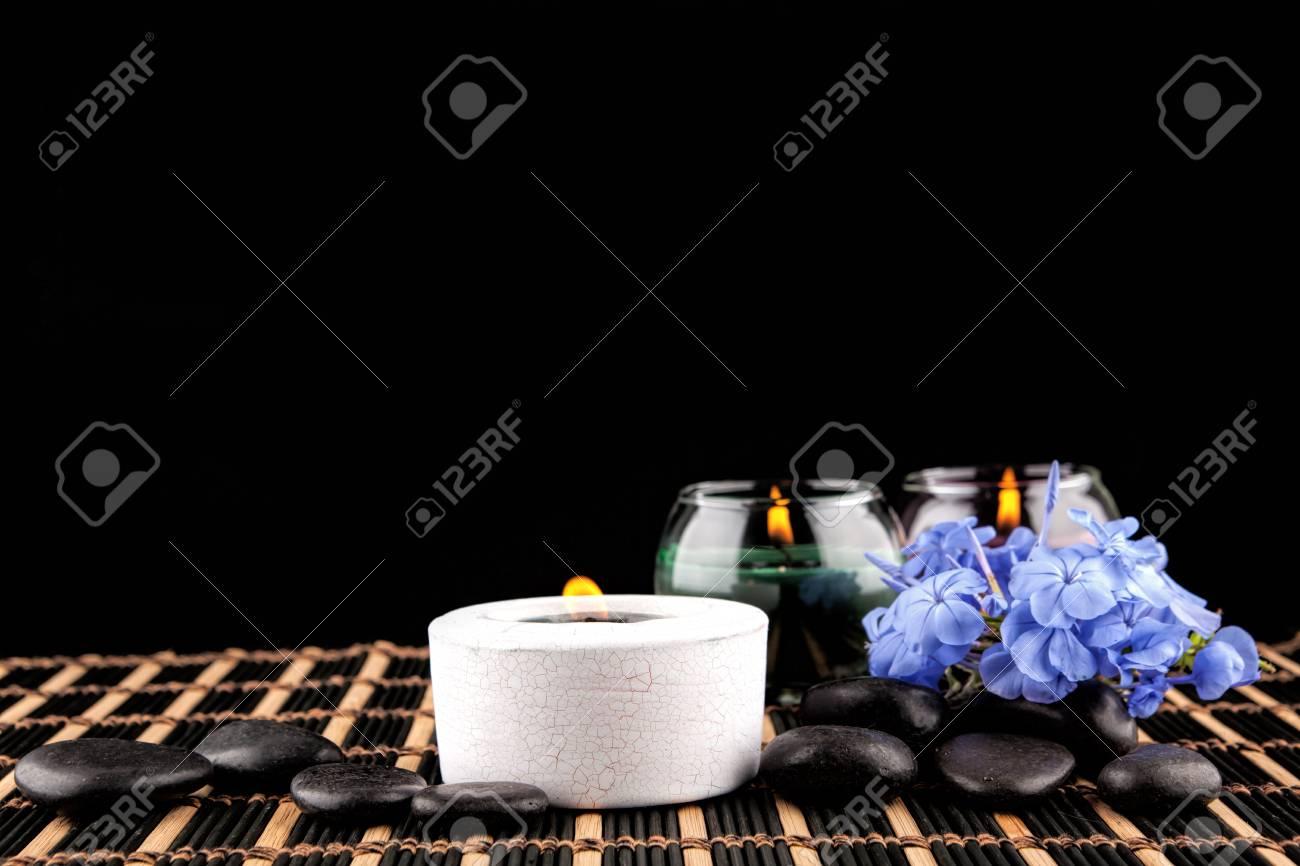 Decoration De Spa destiné décoration de spa sur un fond noir banque d'images et photos libres